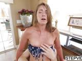 Candice Ferguson a un gros orgasme avec son mec