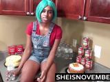 Msnovember se fait prendre dans le cuisine
